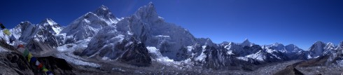 kala patthar summit panorama showing everest, lhotse, and the khumbu glacier