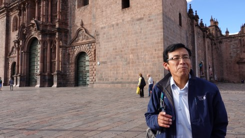 Our guide, Thomas, explaing the history of the Cusco Cathedral